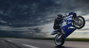 Sali sulla moto slider bg